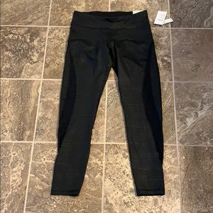 NWT Size L TALL Old Navy Elevate Leggings